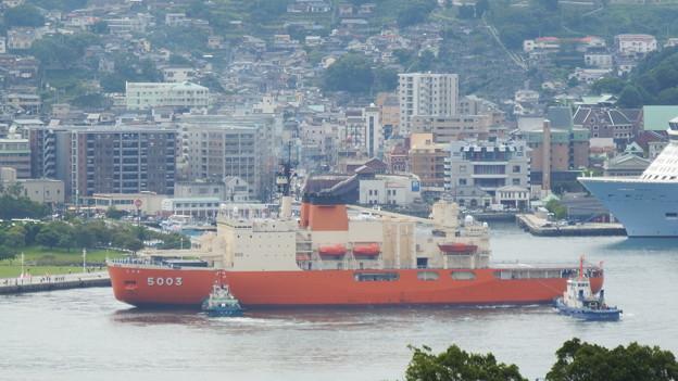 南極観測船しらせ出港 4