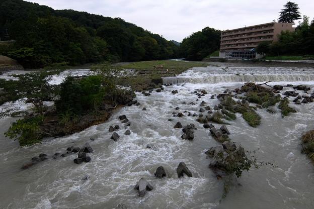 Photos: 続く濁流