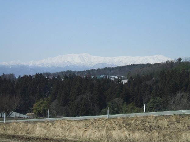 北塩原村から見る飯豊山地
