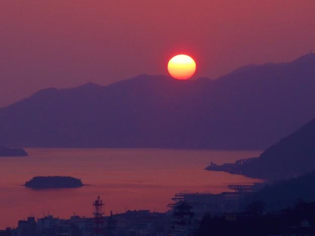 竜王山に乗っかる夕陽~大寒~