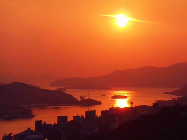大寒の瀬戸の夕陽