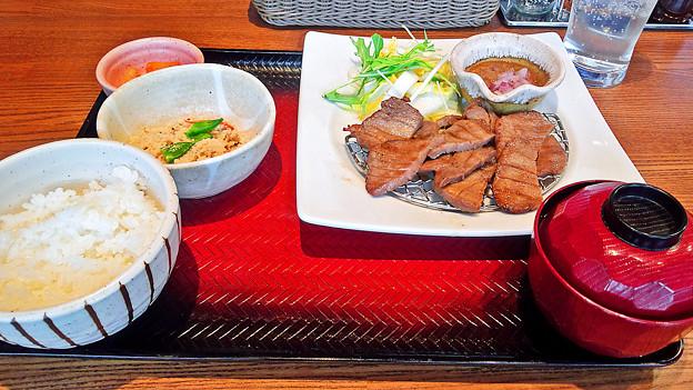 大戸屋 ( 成増 )  牛たん定食