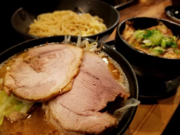 写真: 京都にて、食べ過ぎでしょ