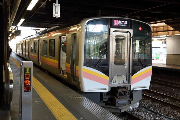 上越線E129系@長岡駅