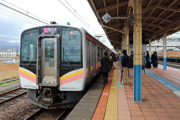 E129系@柏崎駅