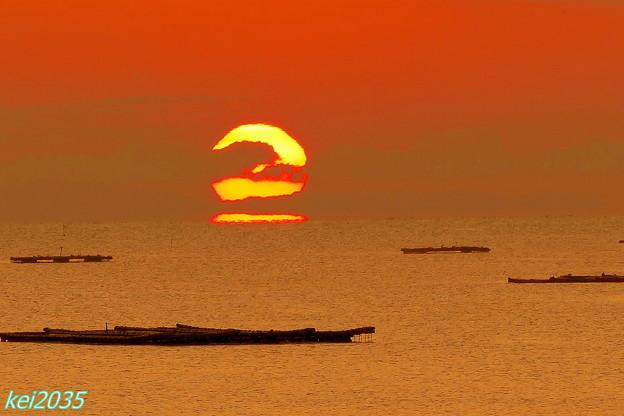 錦海湾のダルマ朝日??