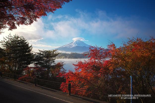 河口湖の秋模様