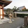 写真: 善正寺(左京区)初代日秀尼墓