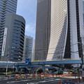 写真: 新都心歩道橋下交差点(新宿区西新宿)