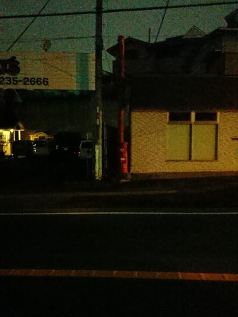 神奈川県海老名市 望地 中古車屋前丸ポスト 2