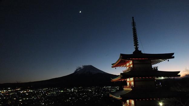 五重塔と富士4