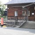 ポストがある駅舎