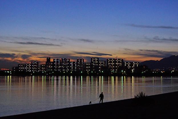 夕暮れの散歩
