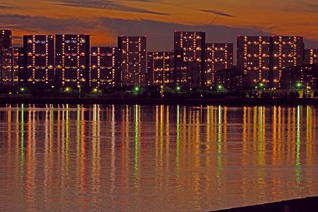 芦屋マンション群に沈む夕日-3