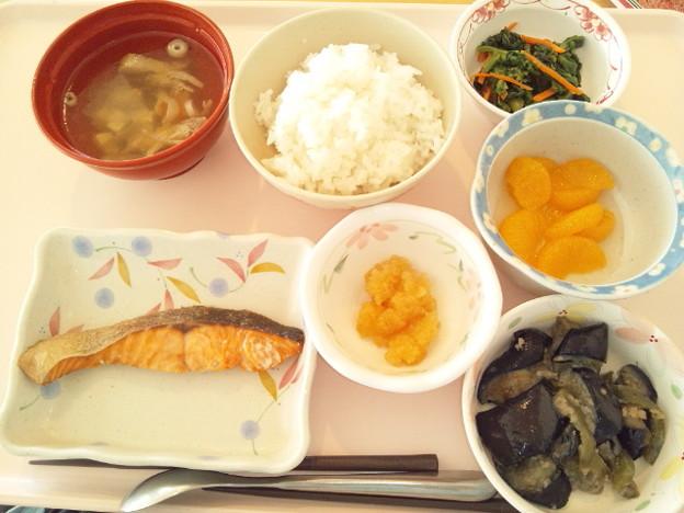 12月17日昼食(鮭の塩焼き) #病院食
