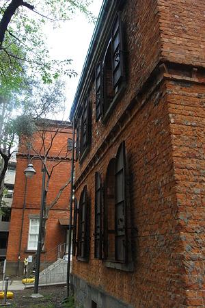 芸大 煉瓦建築