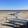 1月31日 昼前に羽田空港2タミへ移動・・雲一つない青空と東京湾・・
