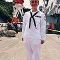 ミサイル駆逐艦ベンフォールドの笑顔の可愛い女性水兵さん 20170805