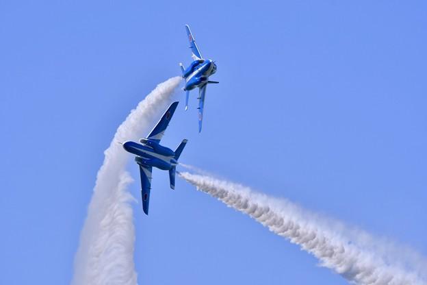 松島基地復興航空祭。。鋭くタッククロス。。