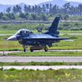 写真: 松島基地復興航空祭。。F-2B機動飛行終えて帰投。。