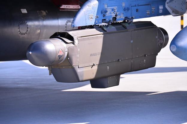 松島基地復興航空祭。。RF-4にお見かけしないポットが付いてる(^^)