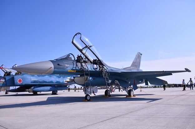 松島基地復興航空祭。。青い空 青い機体 第24飛行隊F-2B (1)