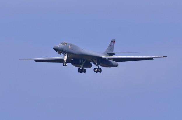 やっぱり違和感。。不気味なフォルムの戦略爆撃機 B-1B 20170909