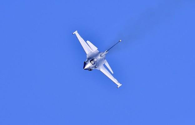 三沢のデモストレーションチーム F-16アクロバット飛行