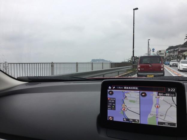 撮って出し。。週末は賑わう江ノ島も寒くて空いている 10月15日