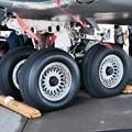 機体を支えるB-1Bランサーのギア 三沢基地航空祭 20170910