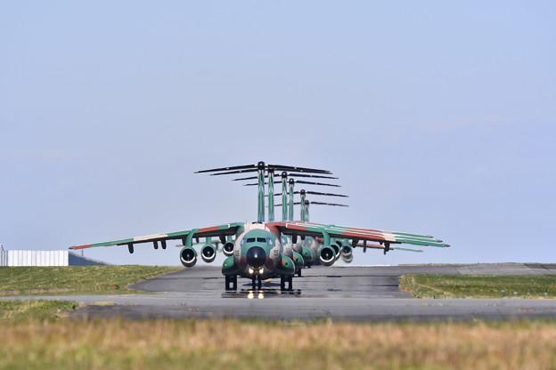 撮って出し。。入間基地航空予行練習もう見れないC-1大名行列 10月30日