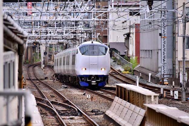 関空特急はるか。。大阪と京都へ向かう 新今宮駅 20171001