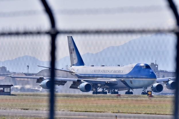 柵越しのアメリカ。。本命2機目のエアフォースワン トランプ大統領登場 20171105