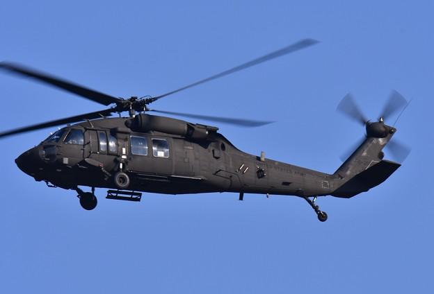 トランプ大統領の護衛ヘリコプター米陸軍ブラックホーク 20171105