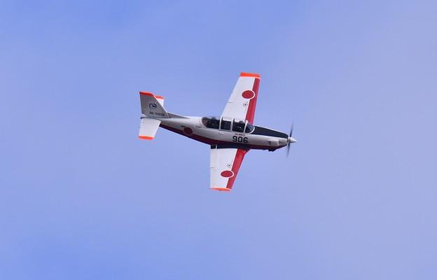 展示飛行するT-7。。岐阜基地航空祭