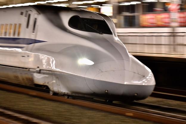 ナイト新幹線。。通過するのぞみ号 浜松駅 20171119