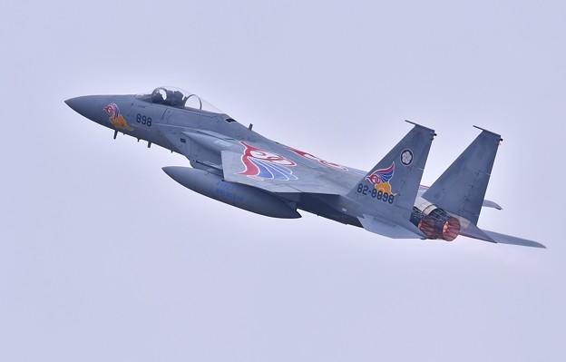 築城基地航空祭。。イーグル機動飛行 一気に上昇し新田原のスペマ機