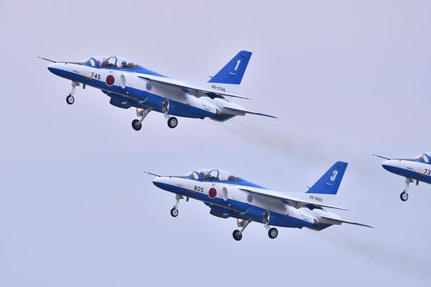 築城基地航空祭。。ブルーインパルステイク・オフ