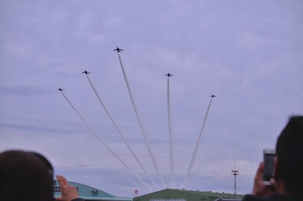 築城基地航空祭。。上空デルタ飛行。。ブルーインパルス
