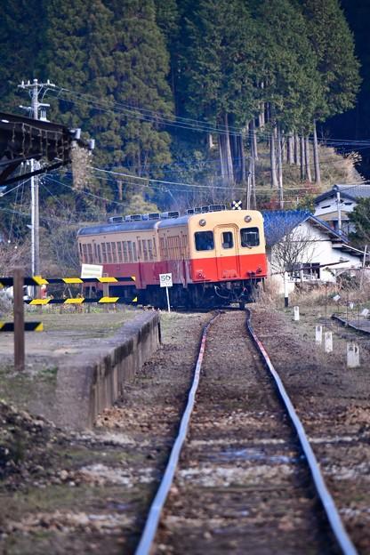 小湊鉄道月崎駅を出発して。。見送る 20171210