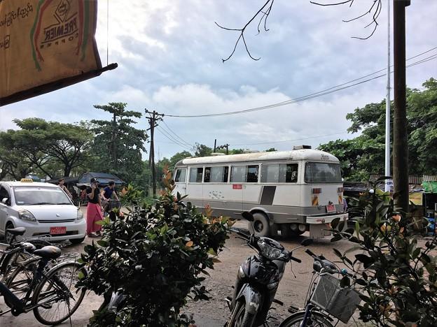 HINO バス (3)