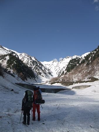 針ノ木雪渓を目指す