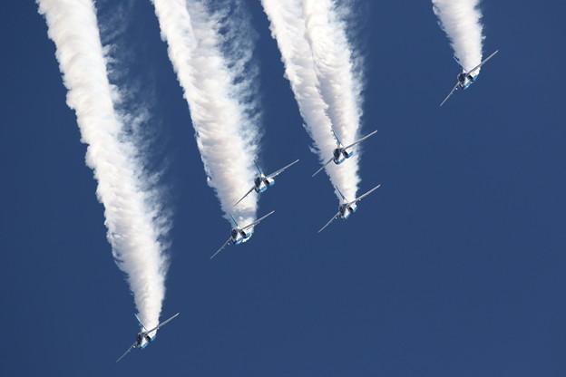 Photos: ブルーインパルス 飛行展示8