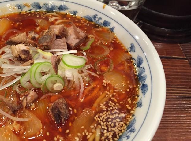 勝浦タンタンメン 麺顔アップ