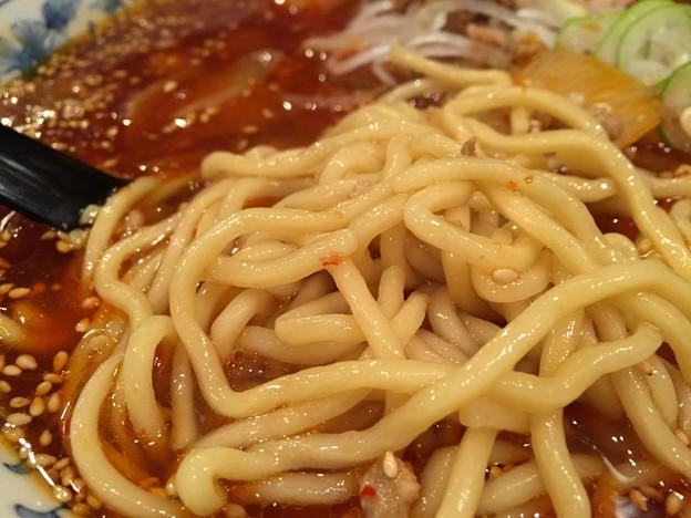 勝浦タンタンメン 麺アップ
