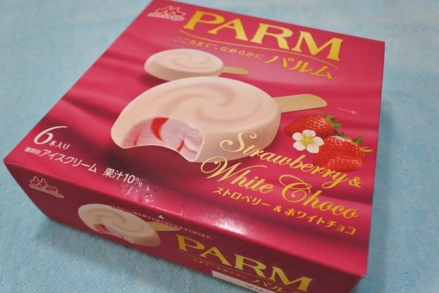 森永*PARM・ストロベリー&ホワイトチョコ1