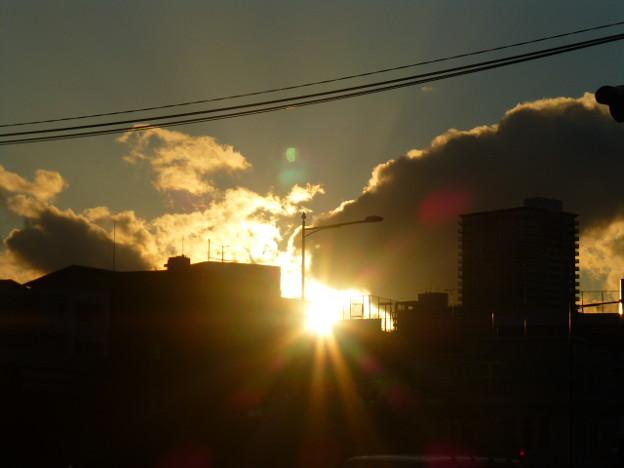 輝く神戸の夕日