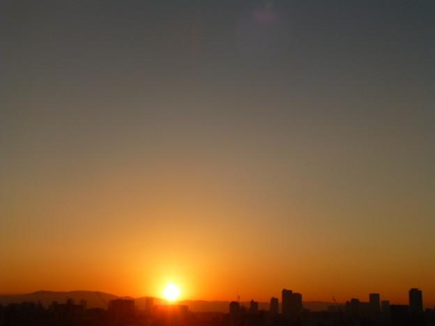 雲ひとつない大阪の空