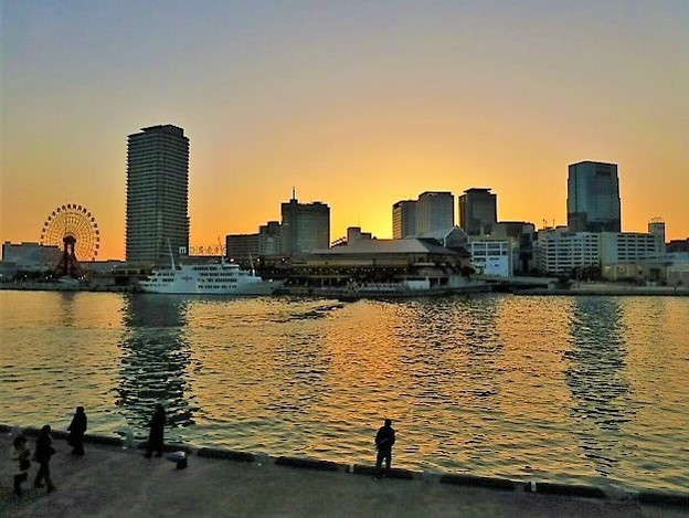神戸ハーバーランドの夕景