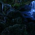 写真: 谷道の滝